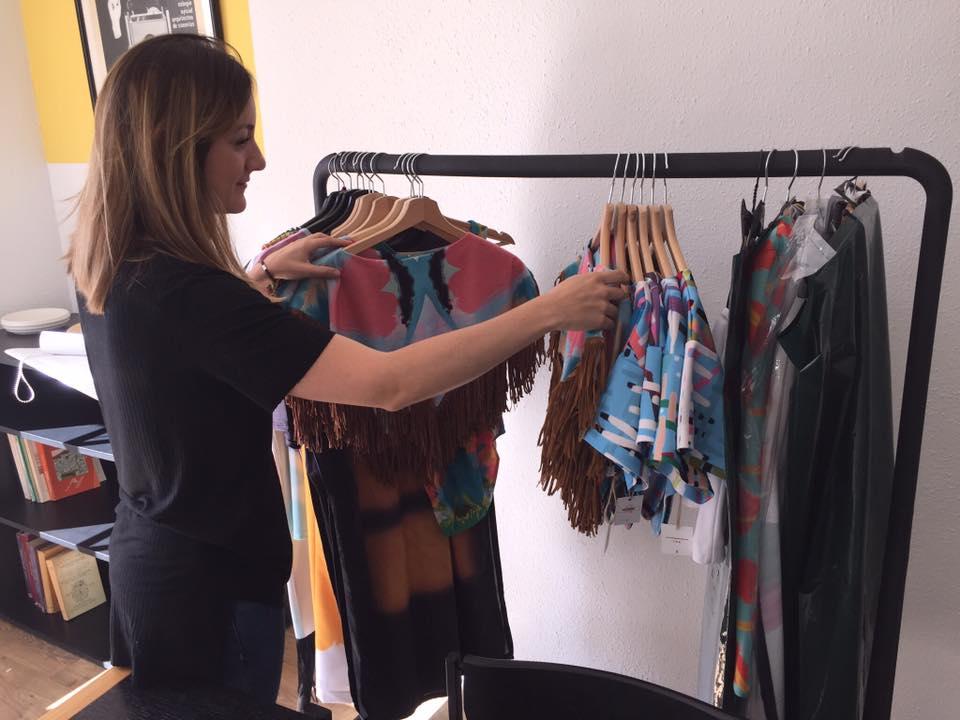 Bea de la Rosa lanza una colección cápsula tras Jóvenes Diseñadores