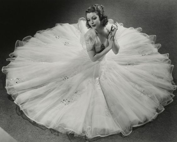 "Loretta Young in Gwen Wakeling's ""moonlight"" dress"
