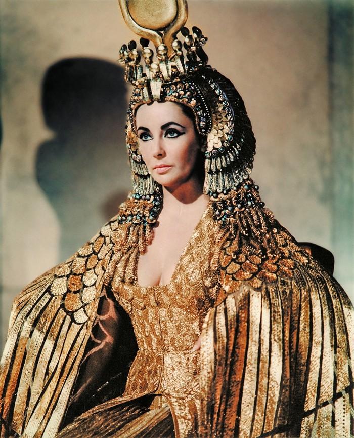 costume-wild-Cleopatra-Liz