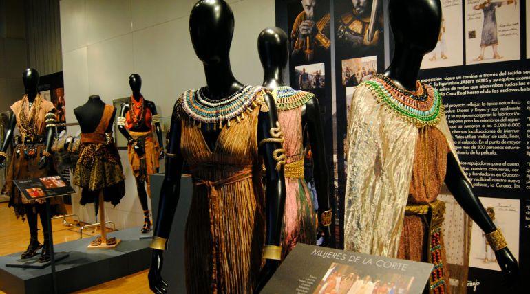 El vestuario de Exodus formó parte de una exposición temporal.