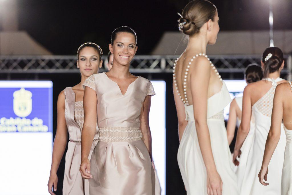 La firma Javilar Woman lleva su moda calada a la pasarela de Ingenio