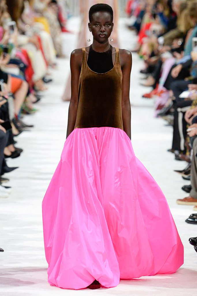 París brilla con Valentino, Elie Saab y Chanel   Atelier Magazine