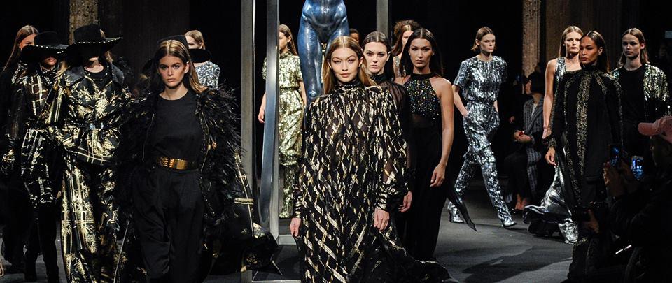 La elegancia femenina cubre de piel y brillo la pasarela de Milán