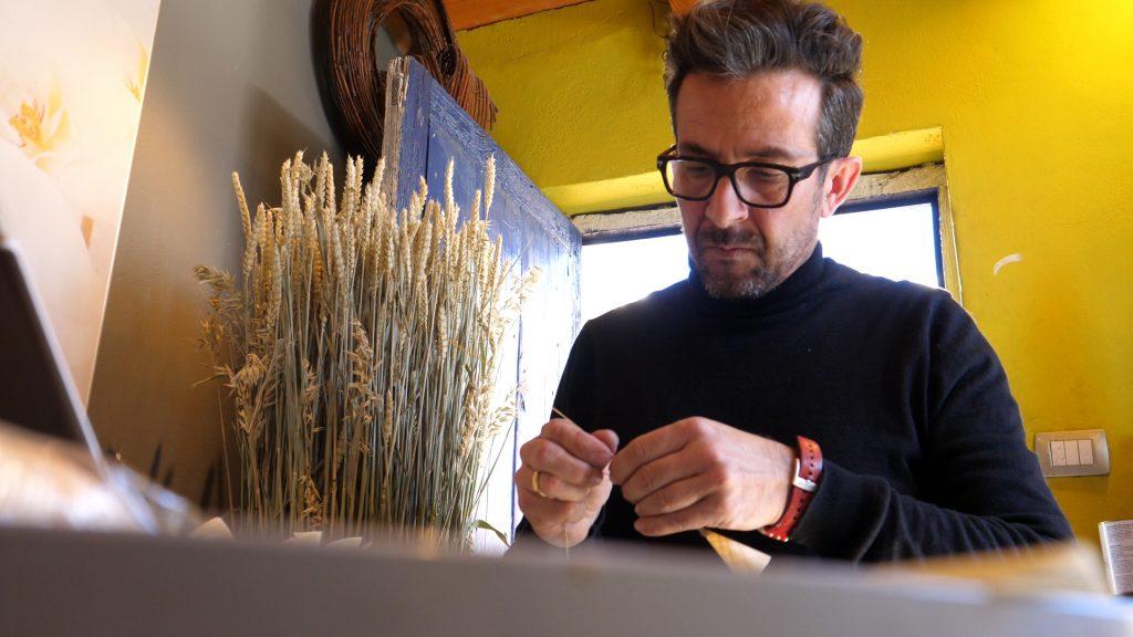Las flores de Carlos Curbelo abrirán el Certamen de Jóvenes Diseñadores