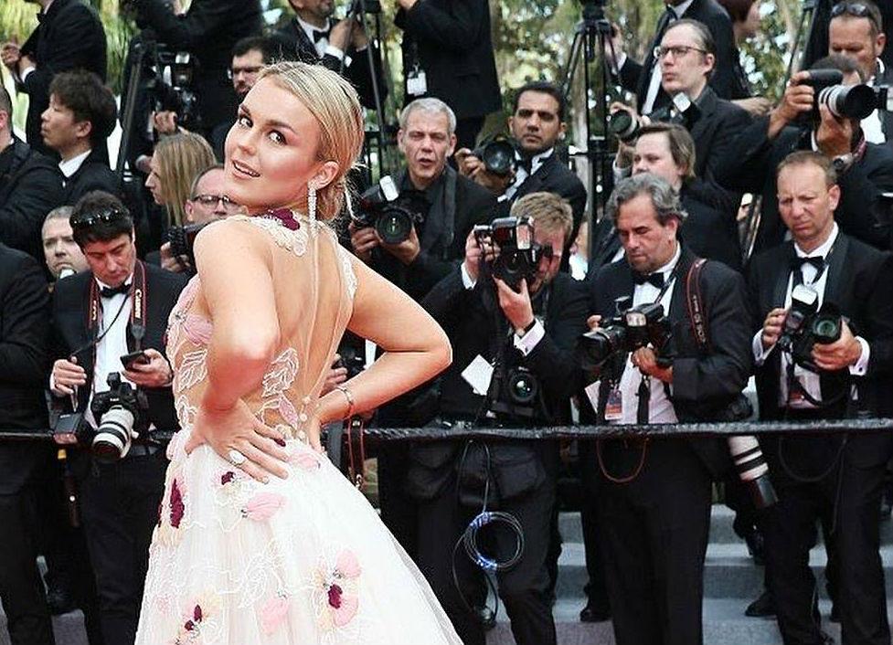 Los tinerfeños M&M visten a Tallia Storm en la alfombra roja de Cannes