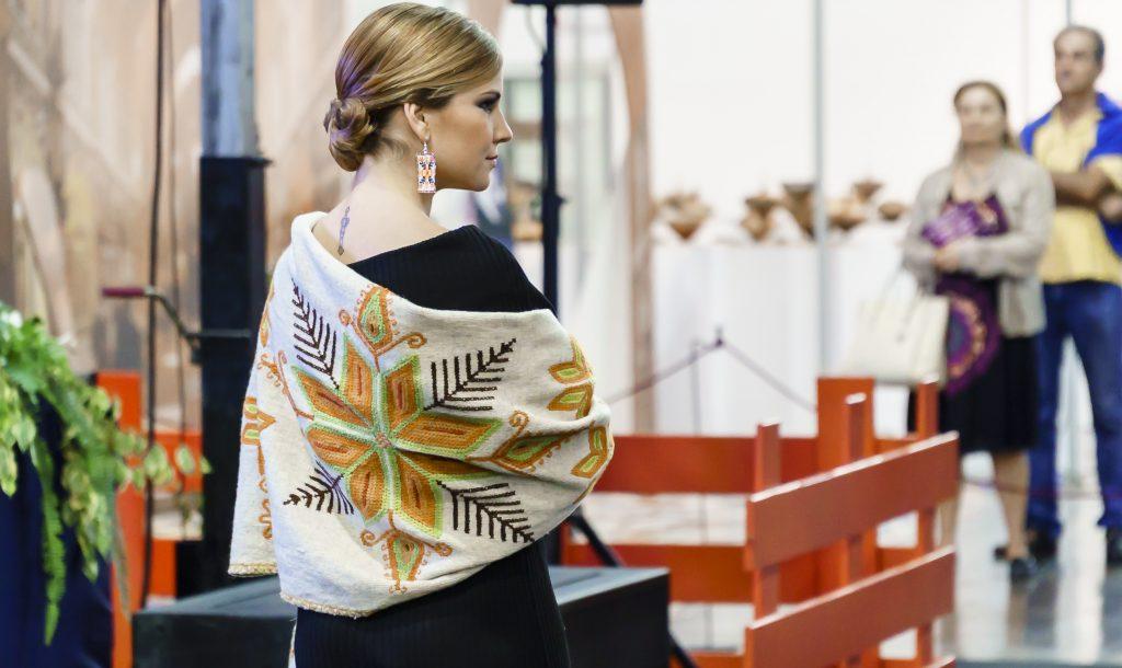 La moda artesana desfilará en la V Feria Tricontinental de Artesanía