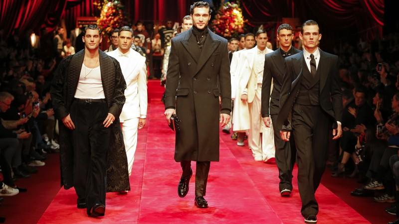 El lujoso invierno masculino de Dolce&Gabbana brilla en Milán