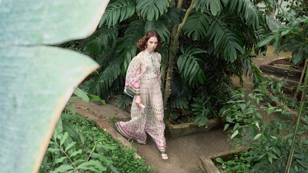 La elegancia de Valentino resurge en la colección Crucero 2020