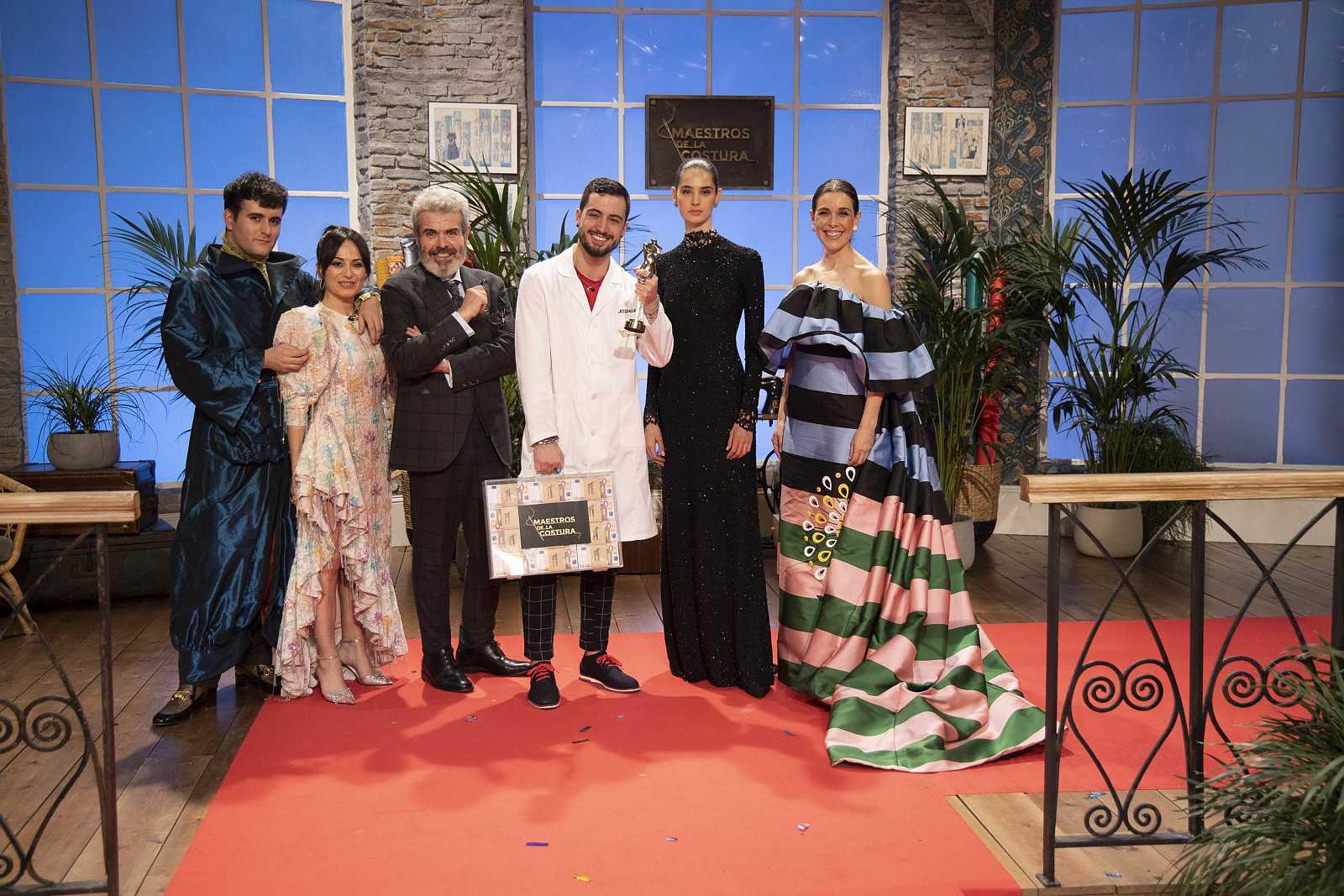 Joshua Velázquez, ganador del talent 'Maestros de la Costura'