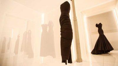 Alaïa y Balenciaga se unen en una exposición única en el País Vasco
