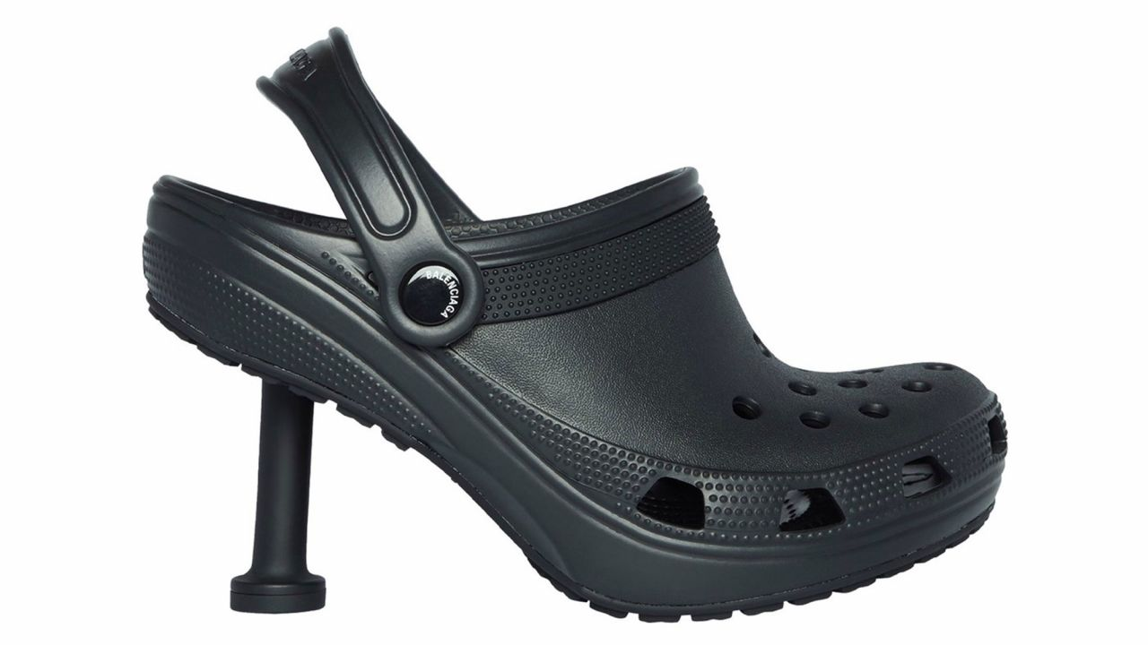 Balenciaga lanza los Stilettos Crocs