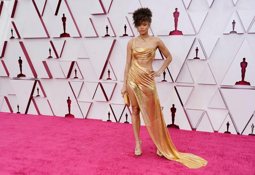 El color triunfa en la red carpet de los Oscar