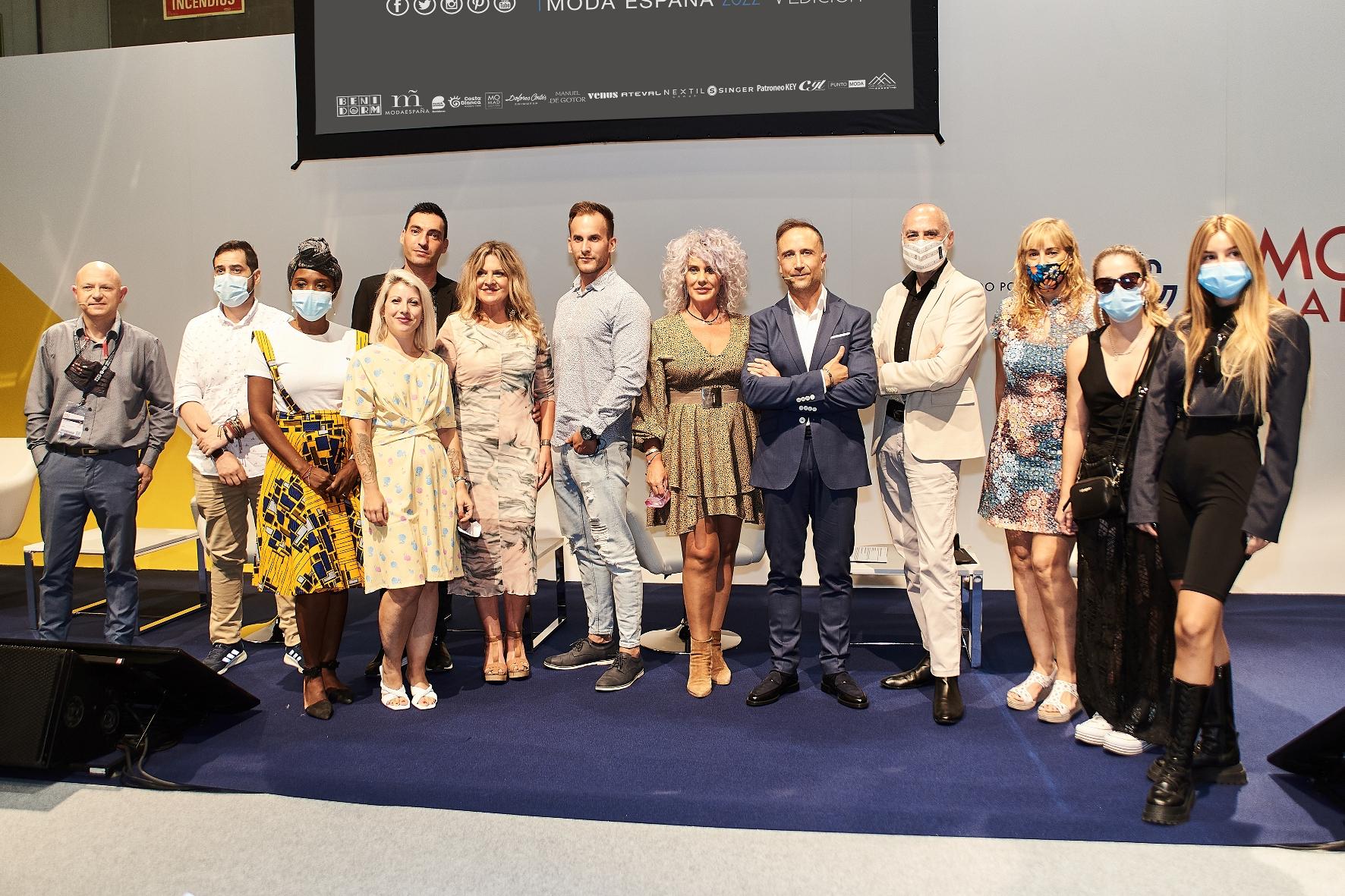 Presentan la V edición del Premio Nacional Moda Baño Nuevos Talentos